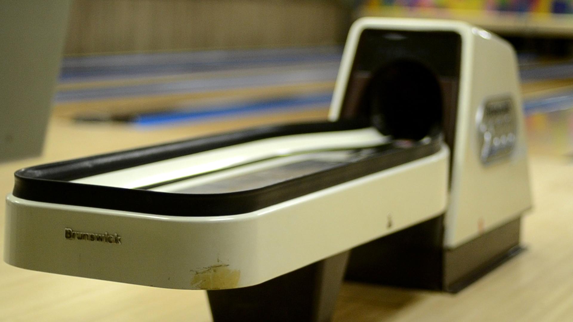 New Brunswick Bowling >> Tim Karl's Century Lanes – De Pere « Pints and Pins